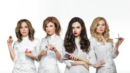 Pracownicy salon piękności z profesjonalnych narzędzi Zdjęcie Seryjne