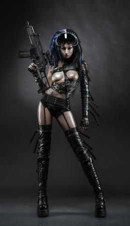 Ragazza Futurictic in costume sexy cacciatore Archivio Fotografico - 53633341