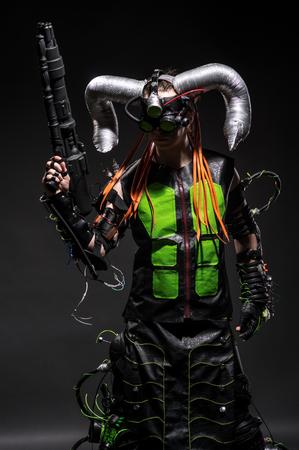 pocima: Hombre en traje con cuernos de hadas personaje