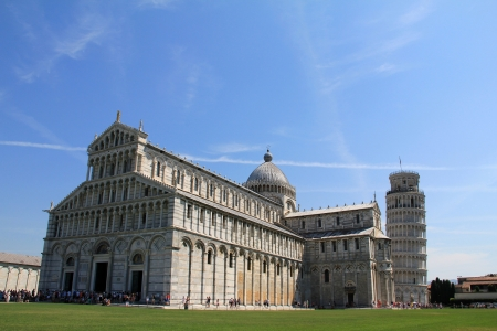 Piazza del Duomo in Piza, Tuscany with it s cathedral and leaning tower Stock Photo - 15031394
