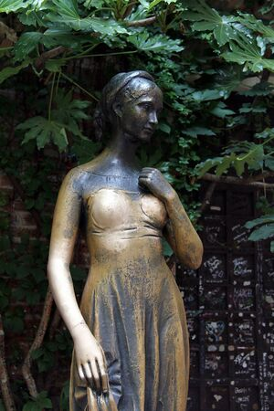 juliet s: Juliet s statue by the house in Verona claiming to be Juliet s