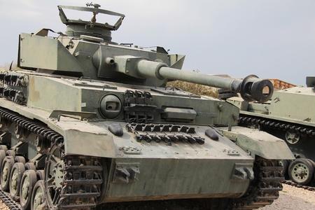 battle tank: Medium battle tank PANZER PzKpfw IV ausf G ( Nazi Germany)