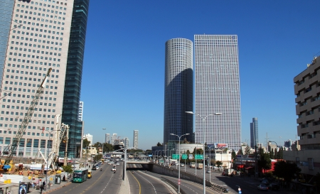 azrieli center: Azrieli center   Tel Aviv, Israel   Azrieli center - business card and the largest shopping and business complex of the city