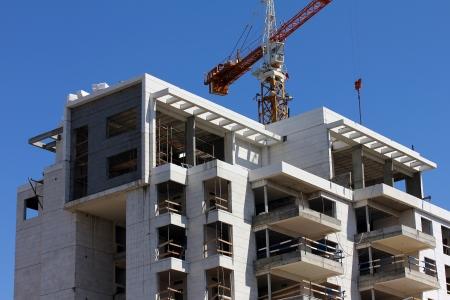 Prozess der Konstruktion ein Gebäude Standard-Bild - 18160266