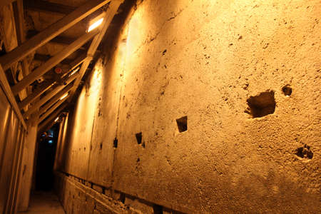 tons: Western Wall Tunnel  485 metres  The biggest stone - 510 long tons