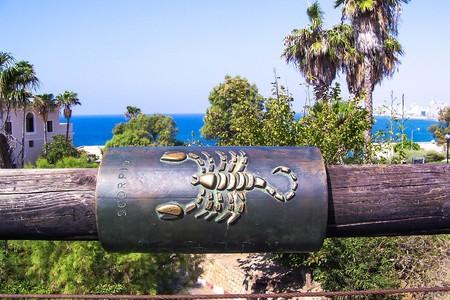 Scorpio zodiac sign on the Wishing Bridge. Jaffa. Israel. Reklamní fotografie