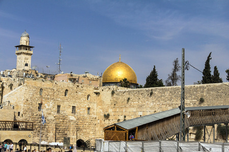 worshipers: Unidentified Jewish worshipers  and tourists  on Western wall plaza near Temple Mount. Jerusalem. Israel
