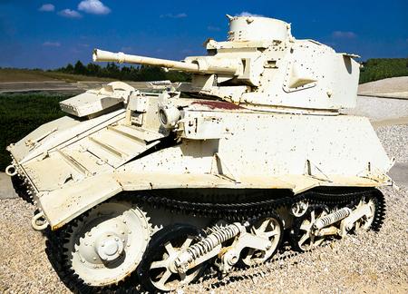 mk: Vickers light tank Mk. VIB on display at Yad La-Shiryon Armored Corps Museum at Latrun. Israel
