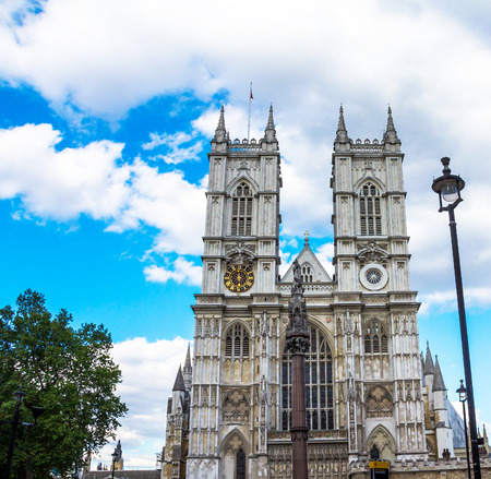 IGLESIA: University Church of St Peter at Westminster Abbey on blue sky background. London. UK