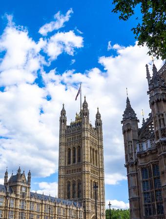bandiera inghilterra: Palazzo di Westminster Victoria Tower. Londra. UK