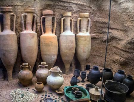 cremated: British museum. Welwyn Type burial Reconstruction. Welwyn Garden City, Hertfordshire. 1st Century BC. London, UK
