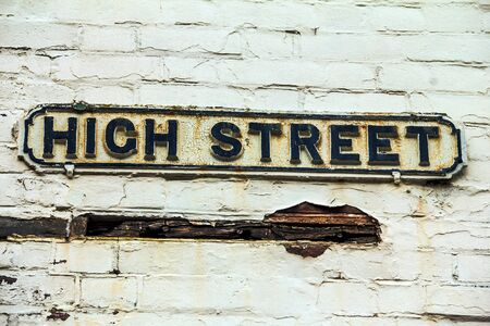 berkshire: Street sign of High Street in town of Windsor near Medieval Windsor Castle in the  County of Berkshire. UK