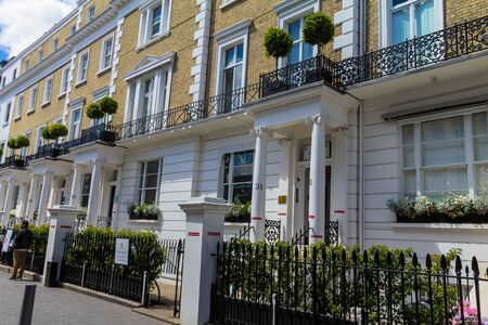 gallerie: Building with the typical English architecture with columns on Cromwell place at South Kensington. London Editorial