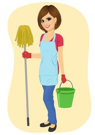 giovane e bella donna delle pulizie cameriera con secchio e straccio sorridente isolato su sfondo bianco