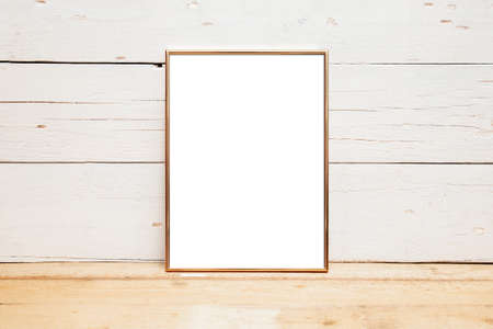 8x10 18x20 Frame Mockup, Styled Mockup auf Holz Standard-Bild
