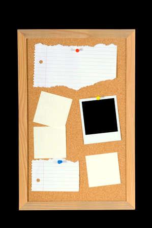 notas adhesivas: Tabl�n de mensajes o tabl�n de anuncios con el papel, notas adhesivas y una fotograf�a con dos caminos - uno para la junta directiva y uno para el