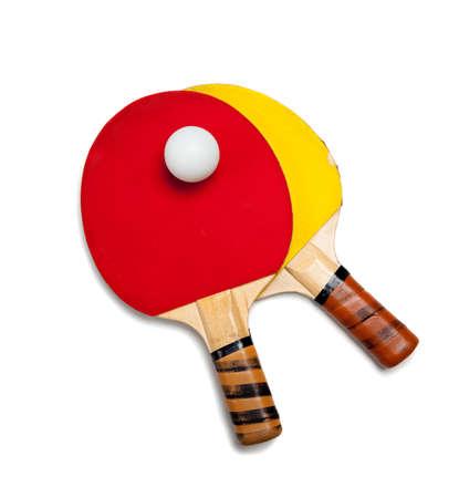 tischtennis: Zwei Tischtennis-Paddel mit einem Ball auf wei�em Hintergrund  Lizenzfreie Bilder