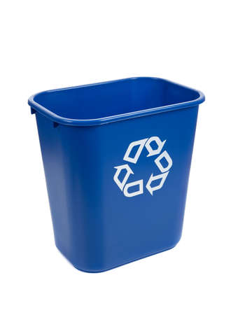 papelera de reciclaje: Un azul vac�a reciclar bin sobre un fondo