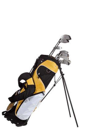 palos de golf y bolsa sobre un fondo blanco