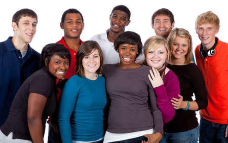 adolescentes estudiando: Un grupo multirracial de estudiantes universitarios sobre un fondo blanco Foto de archivo