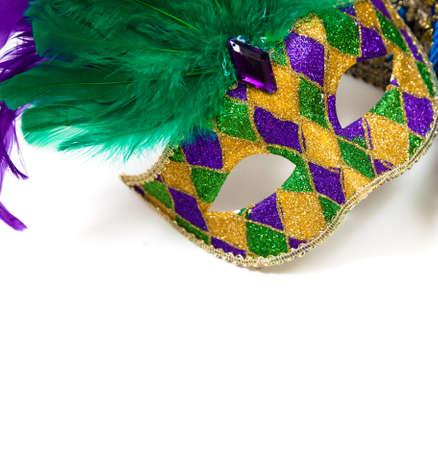 mardi gras: Una scintillante Mardi Gras maschera su uno sfondo bianco con copyspace