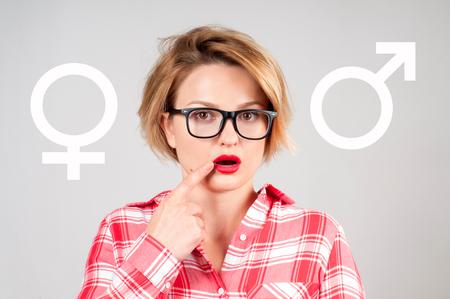 Gender symbol pink and blue icon. Choosing between genders. Sex selection Standard-Bild