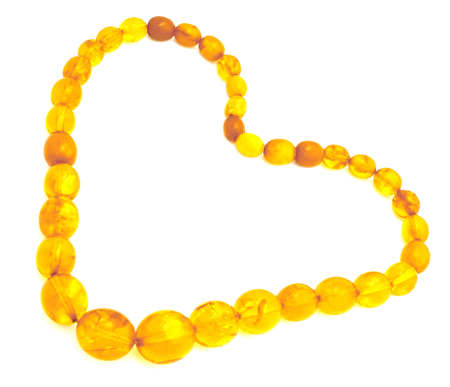 Un collier d'ambre, sous la forme d'un symbole du coeur Banque d'images - 2114449