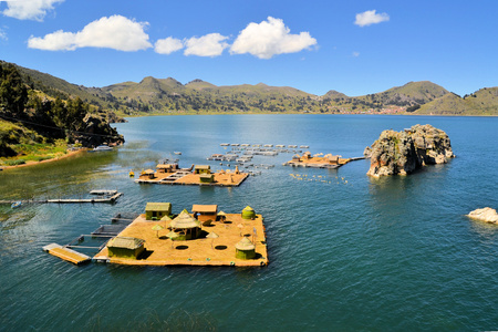 Floating Uros islands on lake Titicaca, largest high altitude lake in the world (3808m) in Peru and Bolivia.