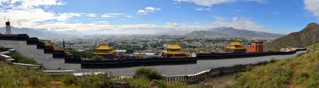 gelugpa: The Kora circuit of Monastery complex Tashilunpo monastery in Shigatse, Tibet