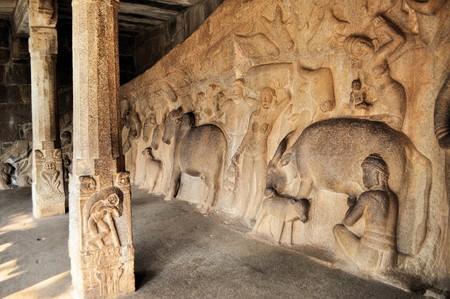 tamil nadu: Mytholical Hindu Stone inscriptions in a cave in Mamallapuram, Tamil Nadu, India Stock Photo