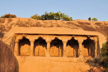 mamallapuram: Cave complex with pillars in Mamallapuram, Tamil Nadu, India