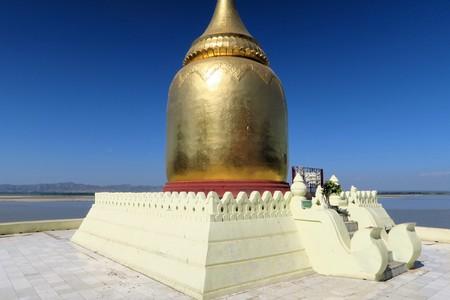 bu: Bu Paya Golden pagoda at the river in Old Bagan, Myanmar - Burma