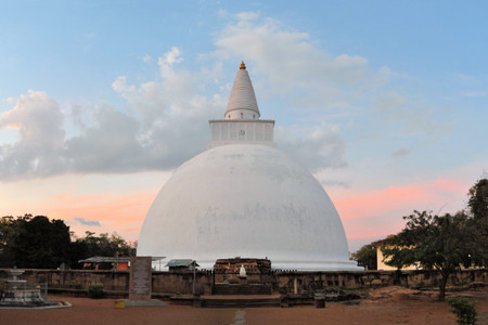 dagoba: Mirisavatiya Dagoba, one of the 3 big stupas in the ancient capital of Anuradhapura, Sri Lanka