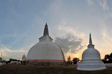 dagoba: Mirisavatiya Dagoba, one of the 3 big stupas in the ancient capital of Anuradhapura, Sri Lanka