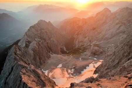 zugspitze mountain: Zugspitze is the highest mountain peak in the Wetterstein mountains in the Bavarian alps near Garmisch Partenkirchen, Germany