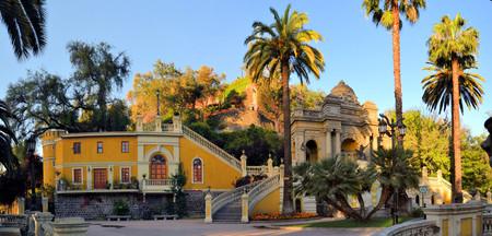 Cerro Santa Lucia, a little hill with colonial Spanish architecture in Downtown Santiago, Chile Standard-Bild
