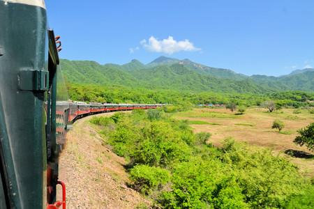 東メキシコ客車風木コッパー キャニオン、150 マイルの問題で 6500 を登山の方法 写真素材