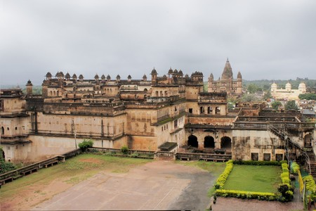 uttar: Jahangir Mahal, important maharaja palace and military fortification in Orchha, Uttar Pradesh, India Stock Photo