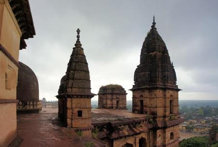 madhya: Old Chaturbhuj Hindu Temple in Orchha in Madhya Pradesh, India