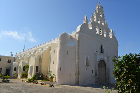 white washed: Basic Colonial white washed church in provincial capital Merida, Yucatan, Mexico