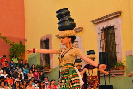 philippino: Zacatecas, Mexico, 02 August 2013: Canadians with Philippino roots perform traditional Muslim dances from the Southern island of Mindanao at the 18th Festival Cultural Internacional Zacatecas del Folclor. It is the biggest international folcloric festival