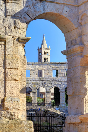 Amphitheater and bell tower of the Church of Saint Stephen, Pula, Istria, Croatia, Europe Banco de Imagens