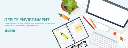 테이블과 컴퓨터와 직장입니다. 컴퓨터, 문서, 종이, 메모장, 연필. 서류. 사무, 작업. 작업 공간 관리. 크리 에이 티브 디자인.