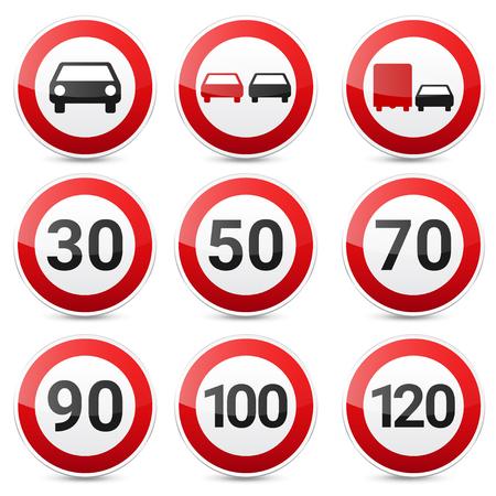 Verkeerstekeninzameling op witte achtergrond wordt geïsoleerd die. Controle op wegverkeer. Gebruik van rijstrook. Stoppen en opbrengst. Regulatory signs. Snelheidslimiet.