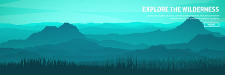 Bergen en boskop. Wild natuurlandschap. Reizen en avontuur.Panorama. In het bos. Horizonlijn. Bomen, mistmos. Stockfoto - 84674910