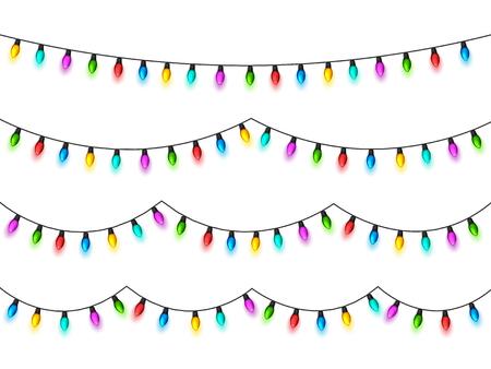 흰색 배경에 크리스마스 빛나는 불빛. 컬러 전구와 화 환입니다. 크리스마스 휴일. 크리스마스 인사말 카드 디자인 요소입니다. 새해, 겨울. 스톡 콘텐츠 - 90383274