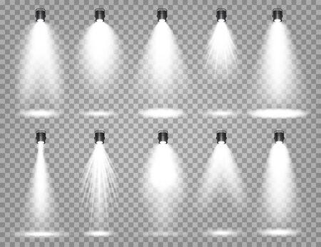 Vektor-Scheinwerfer-Set. Heller Lichtstrahl. Transparenter realistischer Effekt. Bühnenbeleuchtung. Beleuchtete Studioscheinwerfer