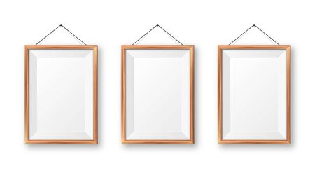 Realistic hanging on a wall blank wooden picture frame. Modern poster mockup. Empty photo frame with texture of wood. Art gallery. Vector illustration Foto de archivo - 140193215