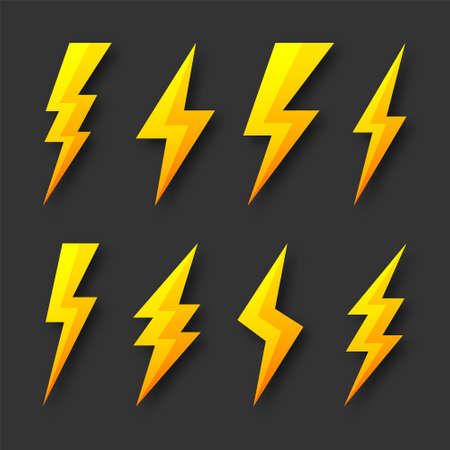 Yellow lightning bolt icons collection. Flash symbol, thunderbolt. Simple lightning strike sign. Vector illustration. 矢量图像