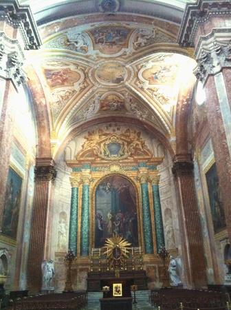 insists: Insists basilica Santa Maria